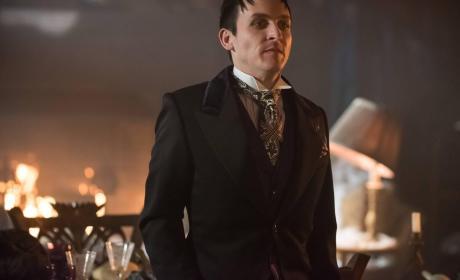 Watch Gotham Online: Season 2 Episode 20