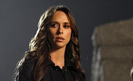 "The Ghost Whisperer Review: ""Old Sins Cast Long Shadows"""