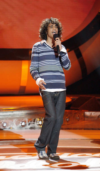 Sanjaya Stays