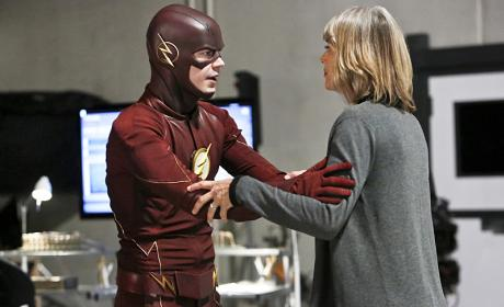 The Flash Season 2 Episode 11 Review: The Reverse Flash Returns