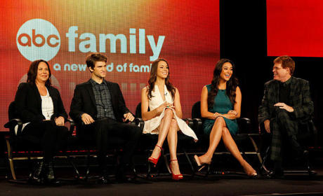 "Pretty Little Liars Cast & Crew Tease ""Mind-Blowing Storyline,"" Uber A"