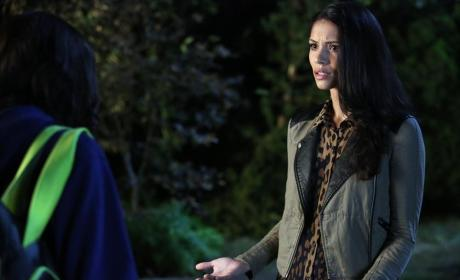 Emily's Pal - Pretty Little Liars Season 5 Episode 20