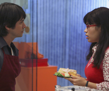 Watch Ugly Betty Season 2 Episode 3