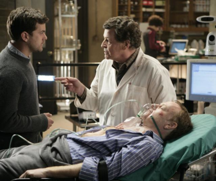 Watch Fringe Season 1 Episode 14