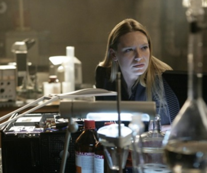 Watch Fringe Season 1 Episode 13