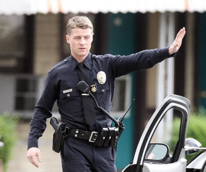 Watch Southland Season 1 Episode 7