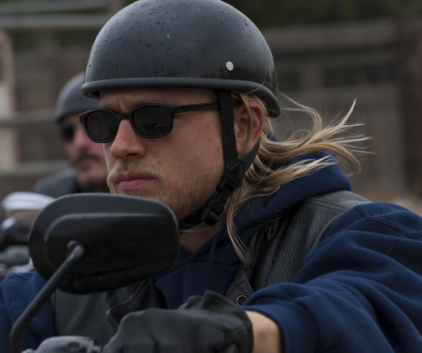 Watch Sons of Anarchy Season 2 Episode 4