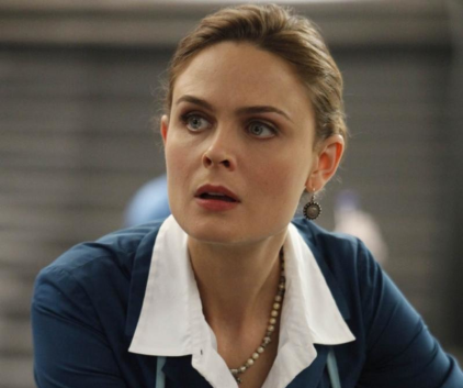 Watch Bones Season 5 Episode 6