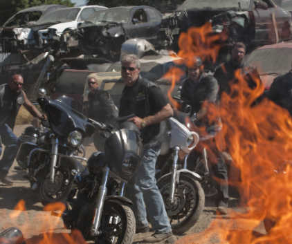 Watch Sons of Anarchy Season 2 Episode 9
