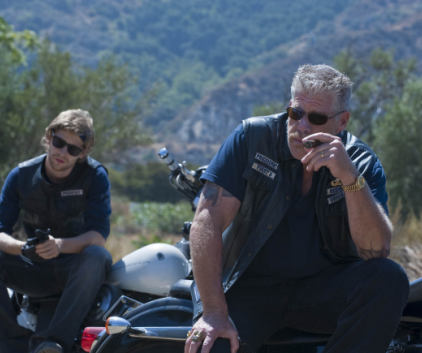 Watch Sons of Anarchy Season 2 Episode 10