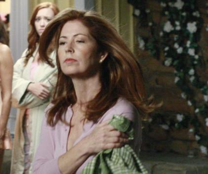 Watch Desperate Housewives Season 6 Episode 8