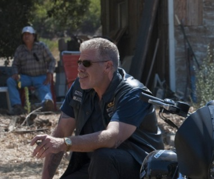Watch Sons of Anarchy Season 2 Episode 12