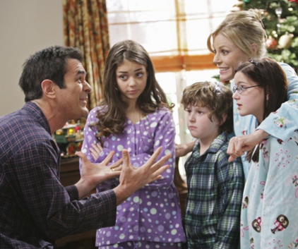 Watch Modern Family Season 1 Episode 10