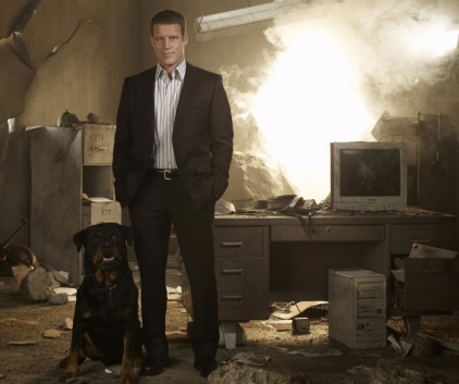 Watch Human Target Season 1 Episode 1
