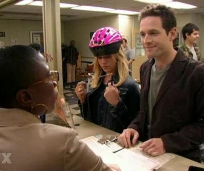 Watch It's Always Sunny in Philadelphia Season 2 Episode 3