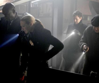 Watch Fringe Season 2 Episode 14