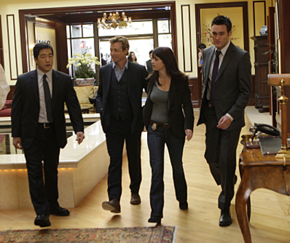Watch The Mentalist Season 2 Episode 15