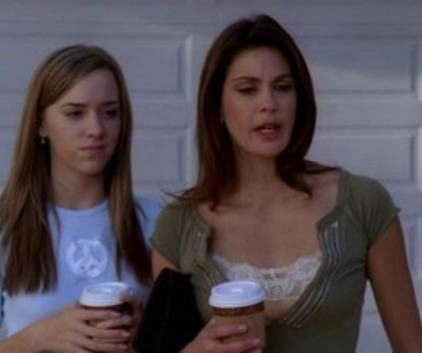 Watch Desperate Housewives Season 2 Episode 11