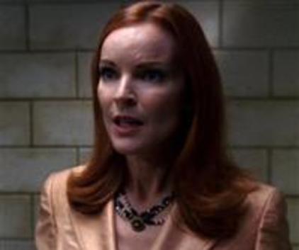 Watch Desperate Housewives Season 2 Episode 12