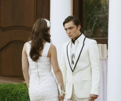 Watch Gossip Girl Season 2 Episode 1