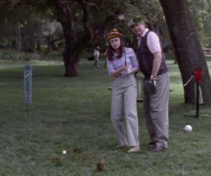 Watch Gilmore Girls Season 1 Episode 3