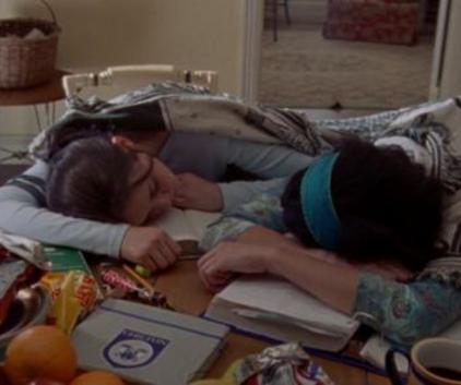 Watch Gilmore Girls Season 1 Episode 4