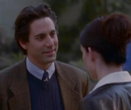 Watch Gilmore Girls Season 1 Episode 5