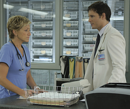 Watch Nurse Jackie Season 2 Episode 2