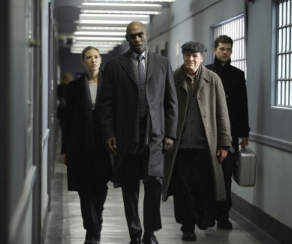Watch Fringe Season 2 Episode 16