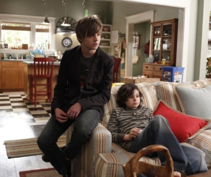 Watch Parenthood Season 1 Episode 9