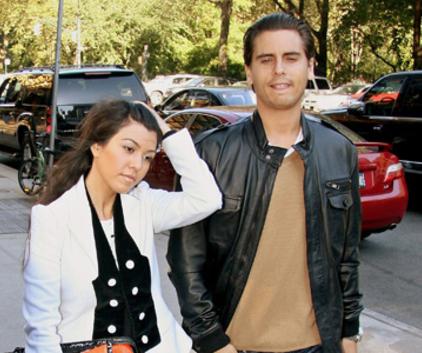 Watch Kourtney and Khloe Take Miami Season 2 Episode 8