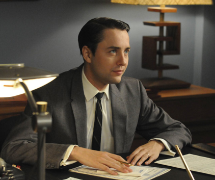 Watch Mad Men Season 4 Episode 4