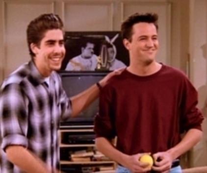 Watch Friends Season 2 Episode 17