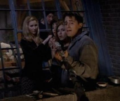 Watch Friends Season 3 Episode 8
