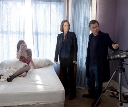 Watch Lie to Me Season 2 Episode 21