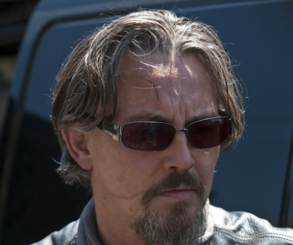 Watch Sons of Anarchy Season 3 Episode 2