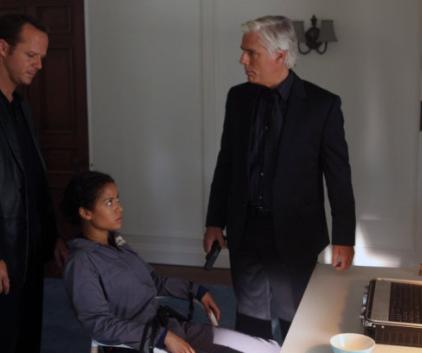 Watch Undercovers Season 1 Episode 3