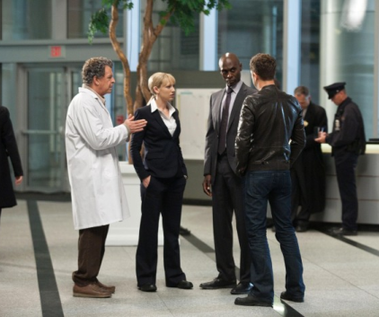 Watch Fringe Season 3 Episode 4