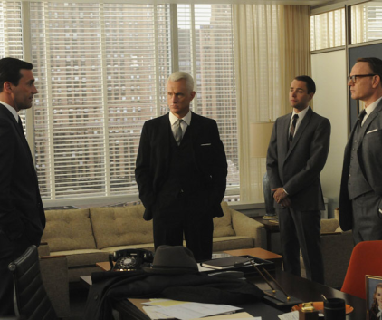 Watch Mad Men Season 4 Episode 13