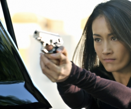 Watch Nikita Season 1 Episode 7