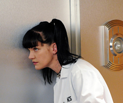 Watch NCIS Season 8 Episode 7