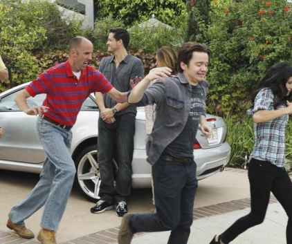 Watch Cougar Town Season 2 Episode 8