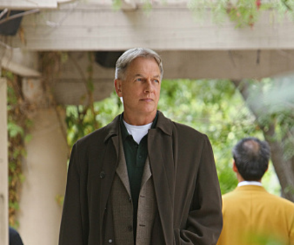 Watch NCIS Season 8 Episode 9