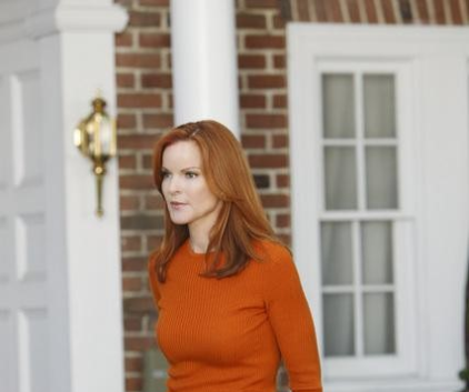 Watch Desperate Housewives Season 7 Episode 10