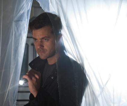 Watch Fringe Season 3 Episode 9