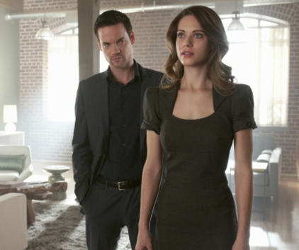 Watch Nikita Season 1 Episode 12