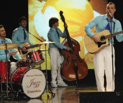Watch Glee Season 2 Episode 15
