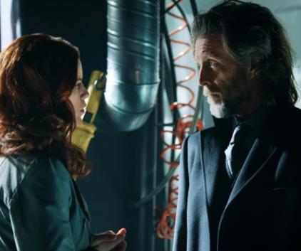 Watch Smallville Season 10 Episode 16