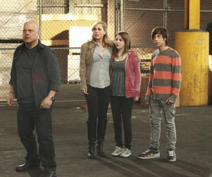 Watch No Ordinary Family Season 1 Episode 20