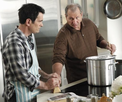 Watch Modern Family Season 2 Episode 21